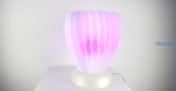 Esempio di lampada da tavolo realizzata con stampa 3d. Settore applicativo architettura/design